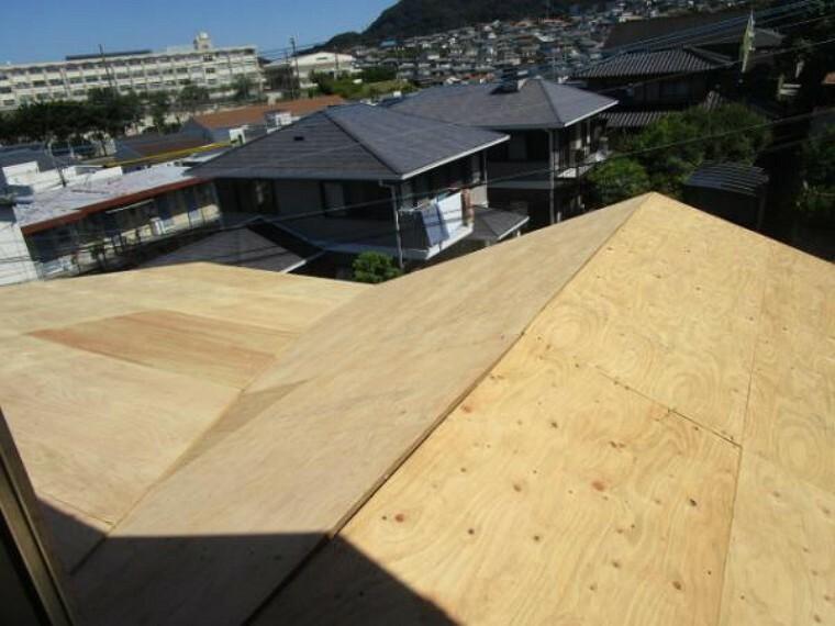 外観写真 【リフォーム中】8/29撮影。現在、屋根の葺き替え工事を行っています。