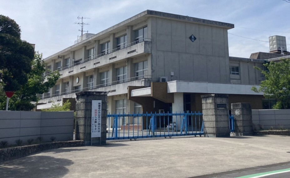 中学校 青山中学校