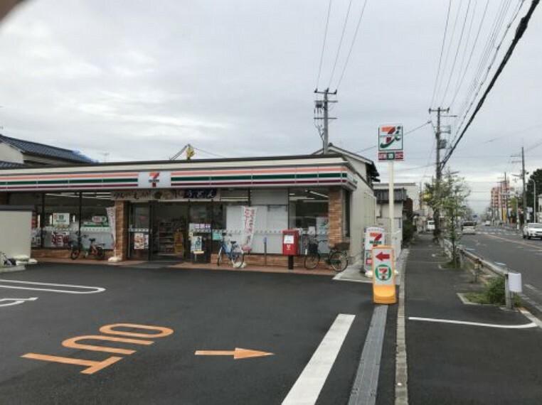 コンビニ 【コンビニエンスストア】セブンイレブン 高石高師浜店まで438m
