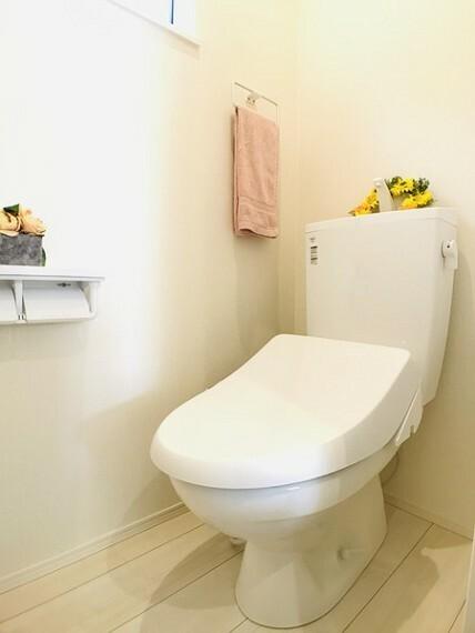 トイレ 同社施工例。実際とは異なります。
