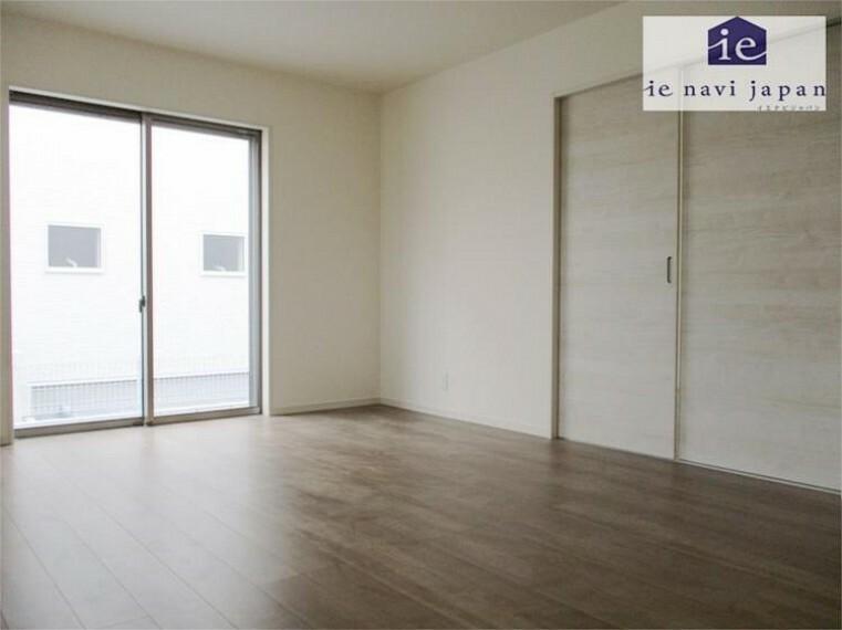 居間・リビング ストレートラインが広々明るさをさらに感じる設計!