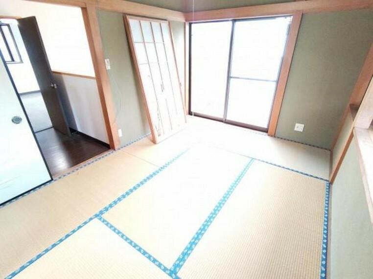 【リフォーム前】2階南西側の和室は洋室に変更致します。壁・天井はクロス張替え、床はフローリング張替え、建具は新品に交換します。