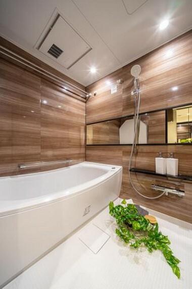浴室 TOTO製追焚機能付ユニットバスを新規設置しました。浴室換気乾燥機付で雨が多い時期も安心です。