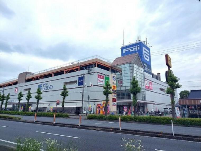 スーパー 【スーパー】フジグラン高知店まで336m