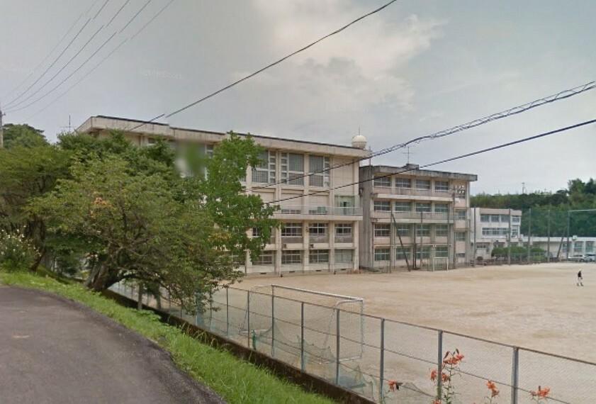 中学校 【中学校】高知市立朝倉中学校まで970m