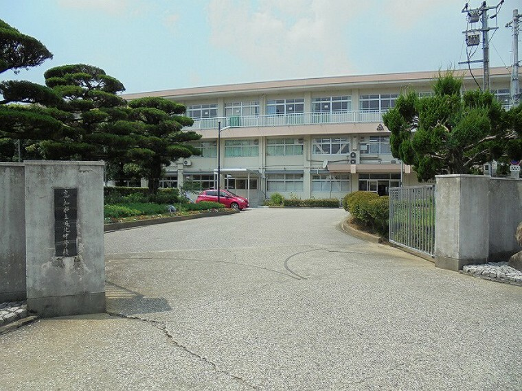 中学校 【中学校】城北中学校まで723m