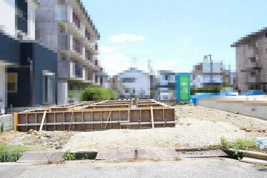 庭 C号地:基礎工事中