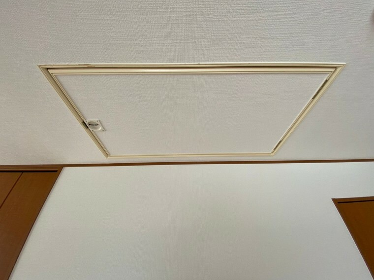 収納 天井収納です。