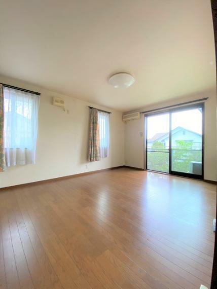 寝室 2F東側洋室