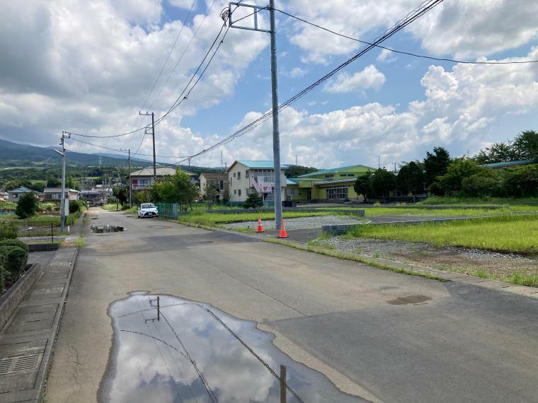 現況外観写真 前面道路も広々7.3m