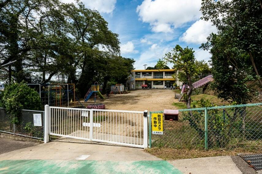 幼稚園・保育園 海南市立巽幼稚園 約1,300m(徒歩17分)/令和元年9月撮影 距離表示は、1号地を起点としています。距離・時間は地図上の概算で、徒歩時間は80m=1分として換算したものです。