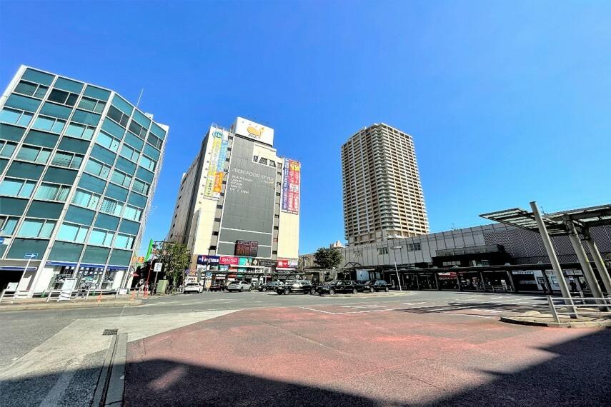 ショッピングセンター ダイエー市川店・イオンフードスタイル  市川駅北口すぐに位置する、食料品、日用品、医薬品など多彩な品揃えのスーパー。ファッションや家電など多くのテナント店舗もあり便利にお買い物ができます。(現地より徒歩14分)