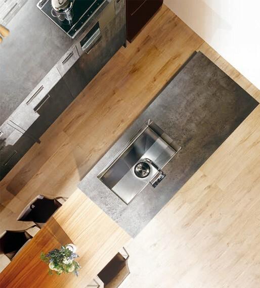 キッチン 【工夫が光る家事ラク設計】  水まわりを一つにまとめて効率よく動ける家事動線や、充実の収納などで忙しい日々をスマートに。暮らしの様々な場面に心地よさを奏でます。※号棟により採用状況が異なります。