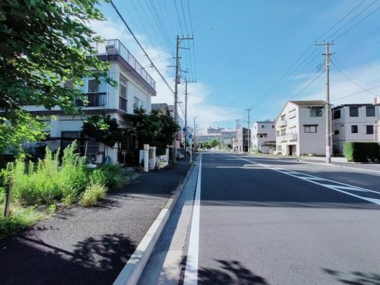 現況写真 前面道路は開放感があります
