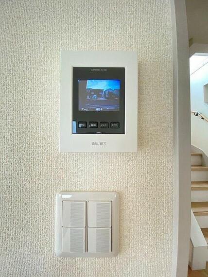 TVモニター付きインターフォン 防犯にも安心のTVモニター付きインターホン