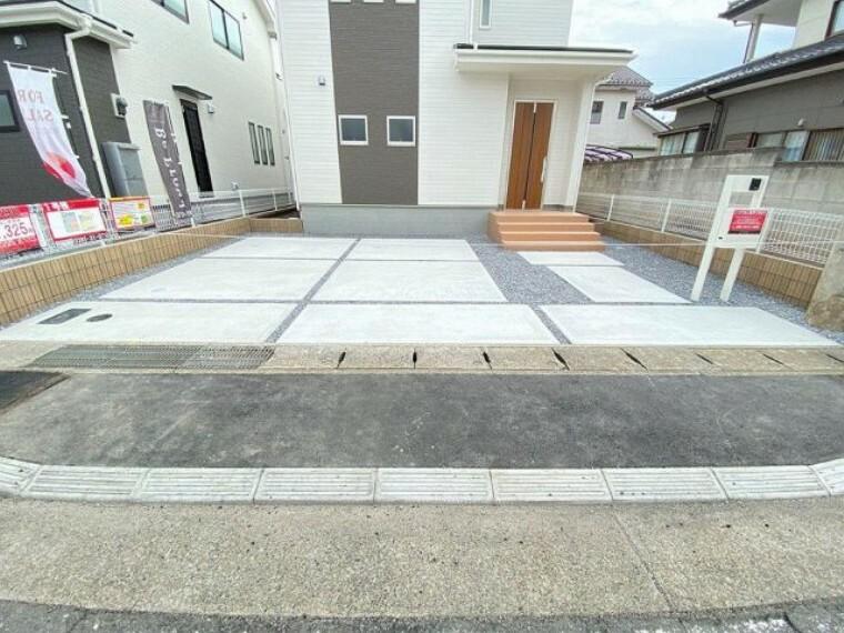 駐車場 お乗りになるお車の車種等により駐車が難しい場合もございます。現地にてお試しください。
