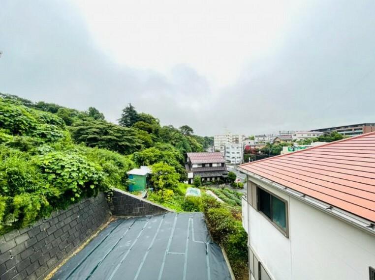 眺望 高台に位置しており、南側は広々としたお庭になっているので日当たり良好です