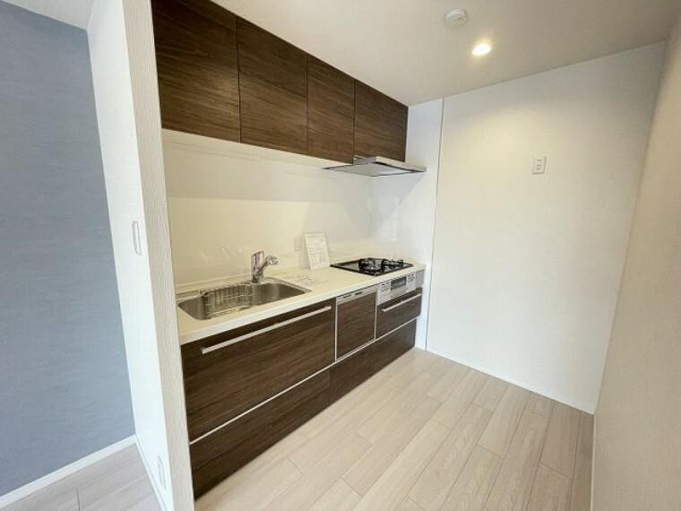 キッチン 食洗機付きのキッチン 食後の家事が楽になりますね