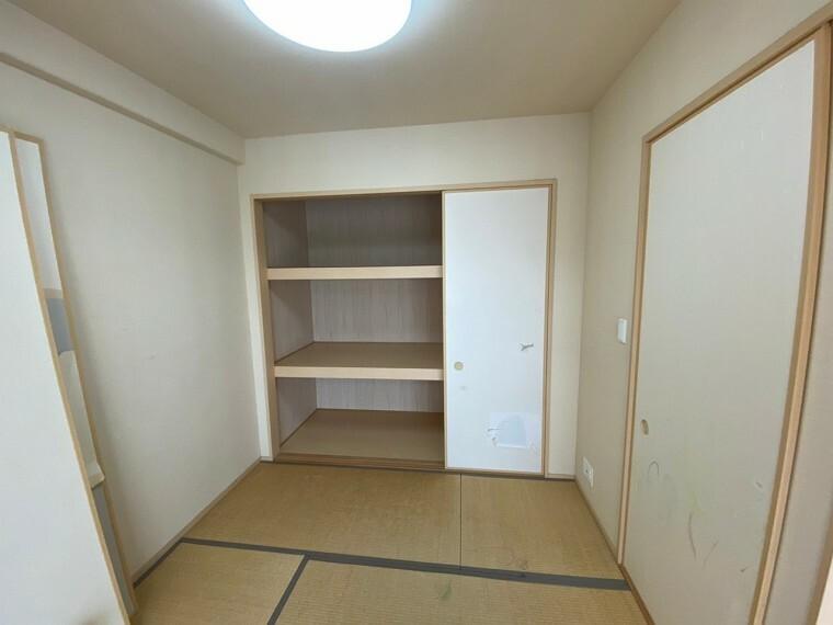 和室 LDKに隣接する4.5帖の和室です。 お子様の遊び部屋や客間としてもご利用いただけます。