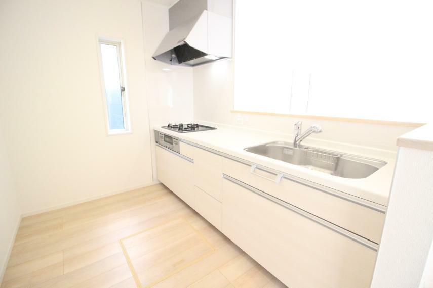 キッチン 広くてお料理しやすいキッチンです(^_-) オール電化&IHクッキングヒーター使用です 同社施工例
