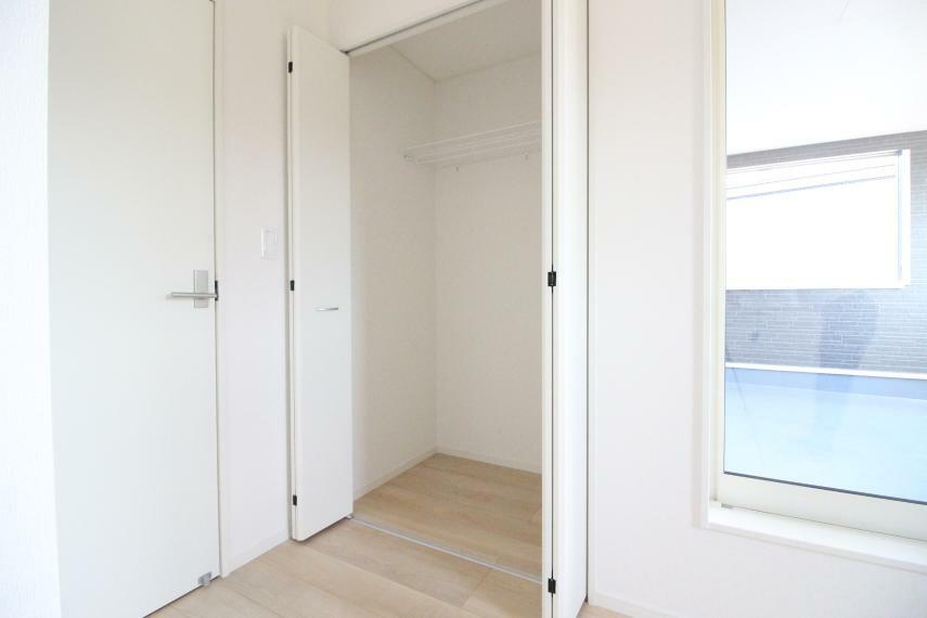 収納 子供部屋 5.7畳の子供部屋です 同社施工例 同社施工例 大容量のクローゼットもついています