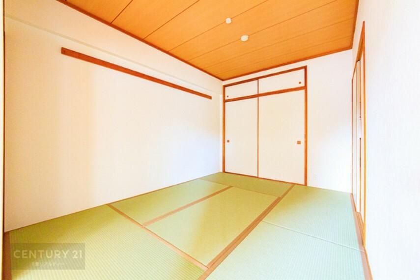 和室 タミのお部屋はお昼寝処にはもちろん、家事スペースや客間など用途多彩に利用できますね。