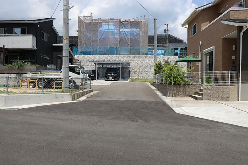 現況写真 前面道路(2021年7月撮影)