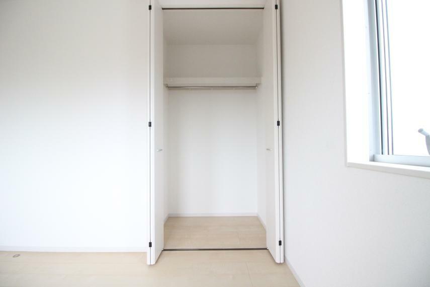 収納 子供部屋 5.25帖の子供部屋です 大容量のクローゼットもついています 同社施工例