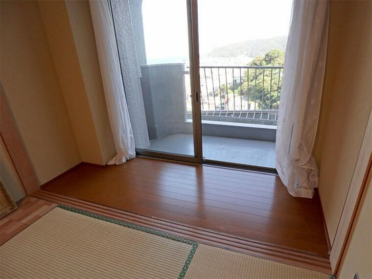 居間・リビング お部屋からも海眺望です