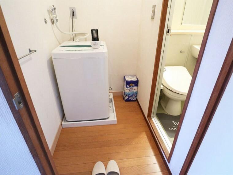 洗面化粧台 洗濯機置き場