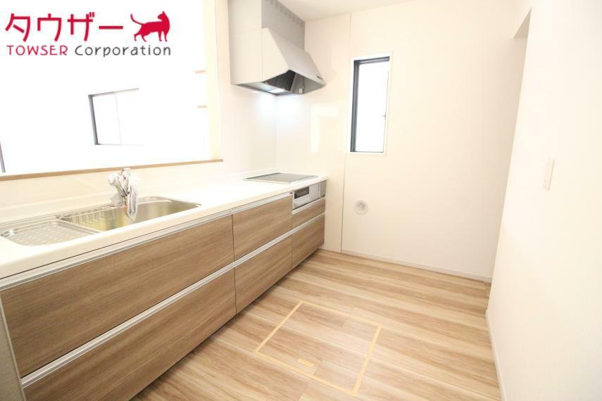 キッチン 広くてお料理しやすいキッチンです(^_-) LPガス使用です 同社施工例