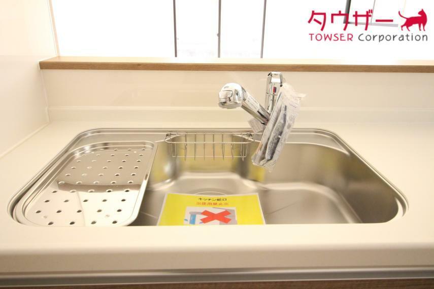キッチン シンクも広くてお料理しやすいキッチンです(^_-) 同社施工例