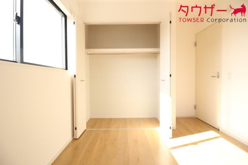 収納 洋室 6.5帖の洋室です 同社施工例 同社施工例 クローゼットも付いています