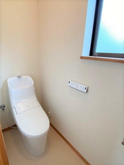 トイレ 2F