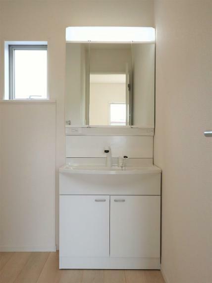 洗面化粧台 【7号棟】大型洗面化粧台(ハンドシャワー付)
