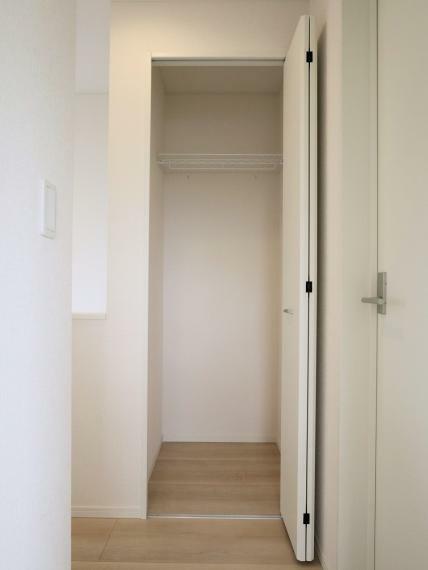 収納 【7号棟】2階廊下収納