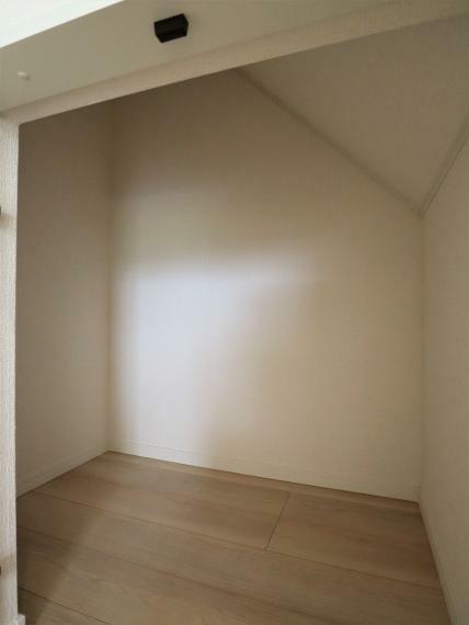 収納 【7号棟】1階廊下収納