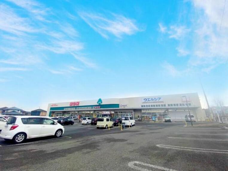 スーパー <いちい飯坂店>1800m/徒歩24分/車7分/地域密着の地元でおなじみのスーパー!駐車場が広く近くには公園があります。営業時間:9時30分~21時