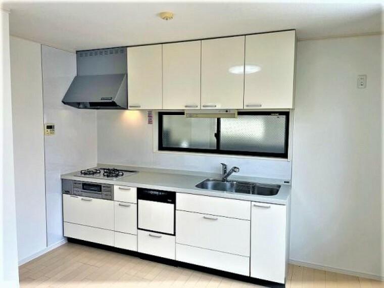 キッチン お料理に集中したい方向けのシステムキッチンです。