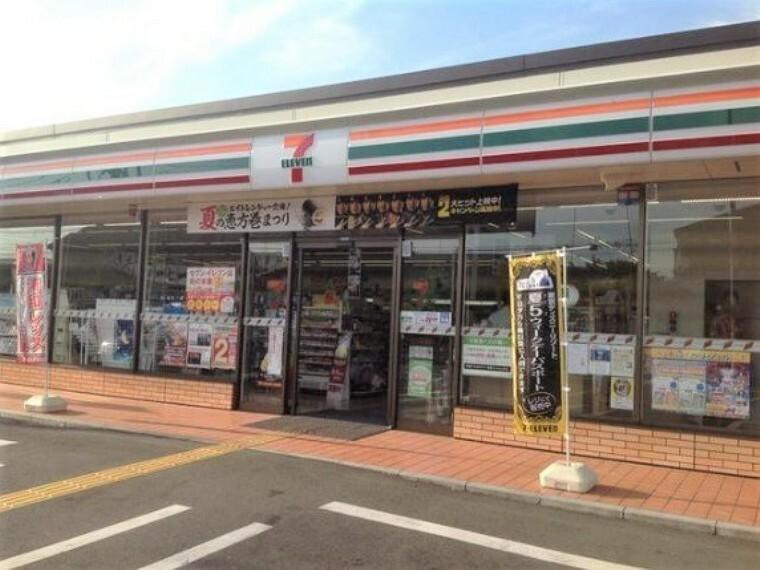 コンビニ セブンイレブンさいたま山崎店