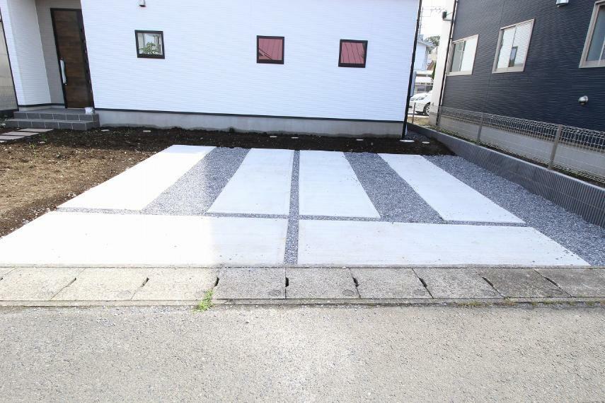 駐車場 駐車スペースは2台駐車可能です!