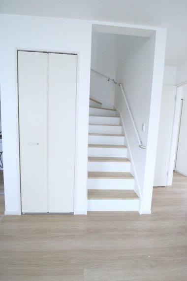 居間・リビング 人気のリビング階段!