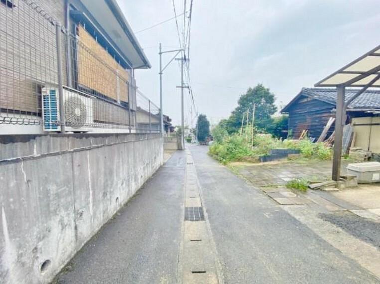 現況写真 〇●前面道路(撮影2021年9月)●〇