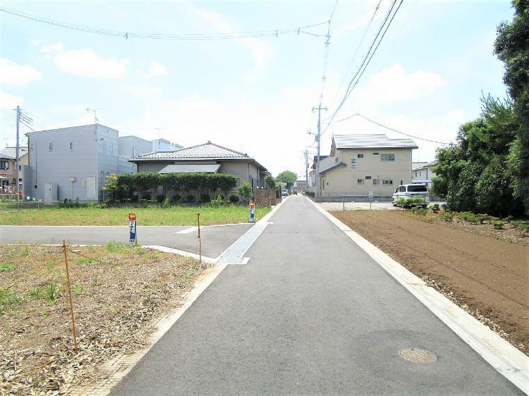 現況写真 【前面道路】南東側幅員約6.0m開発道路