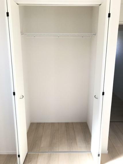 収納 5.7帖洋室