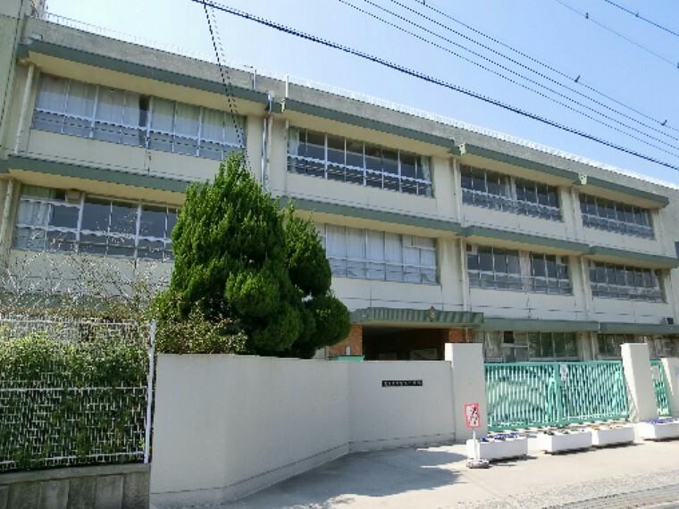 小学校 茨木市立中津小学校