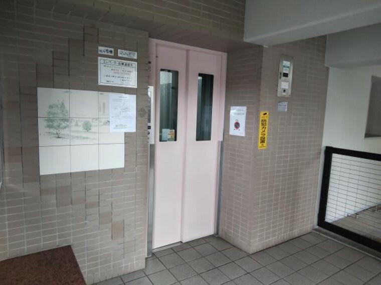 【エレベーター】エレベーターは各階すべてにとまります。階段の上り下りもなく、荷物の多い日でも助かりますね。