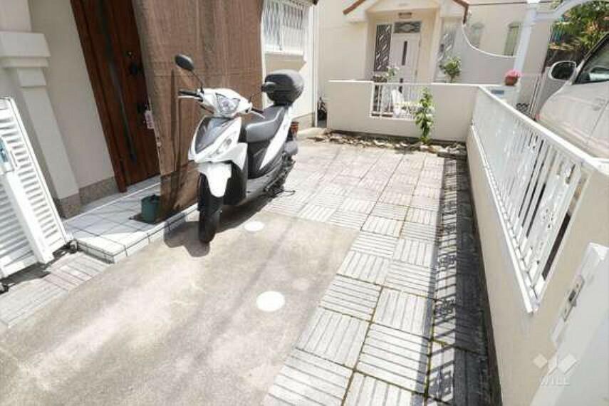 駐車場 物件の駐車スペース[2021年7月30日撮影]