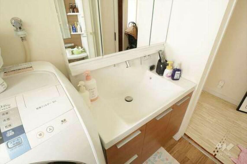 洗面化粧台 洗面室[2021年7月30日撮影]