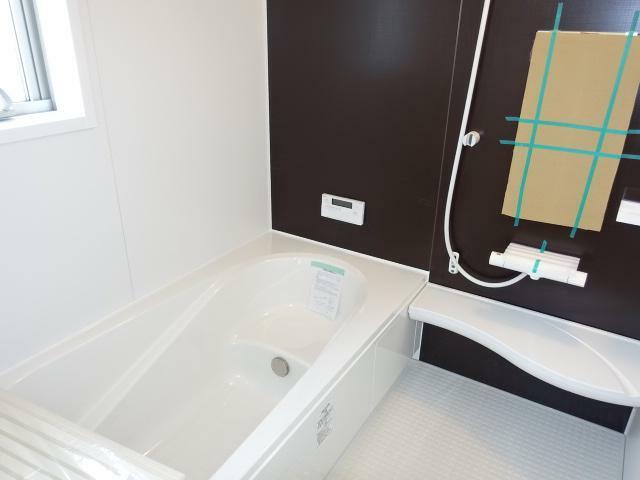 浴室 暖房、換気乾燥機能付きの浴室(同仕様)